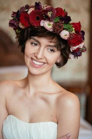 Blumenkränze zum Brautkleid